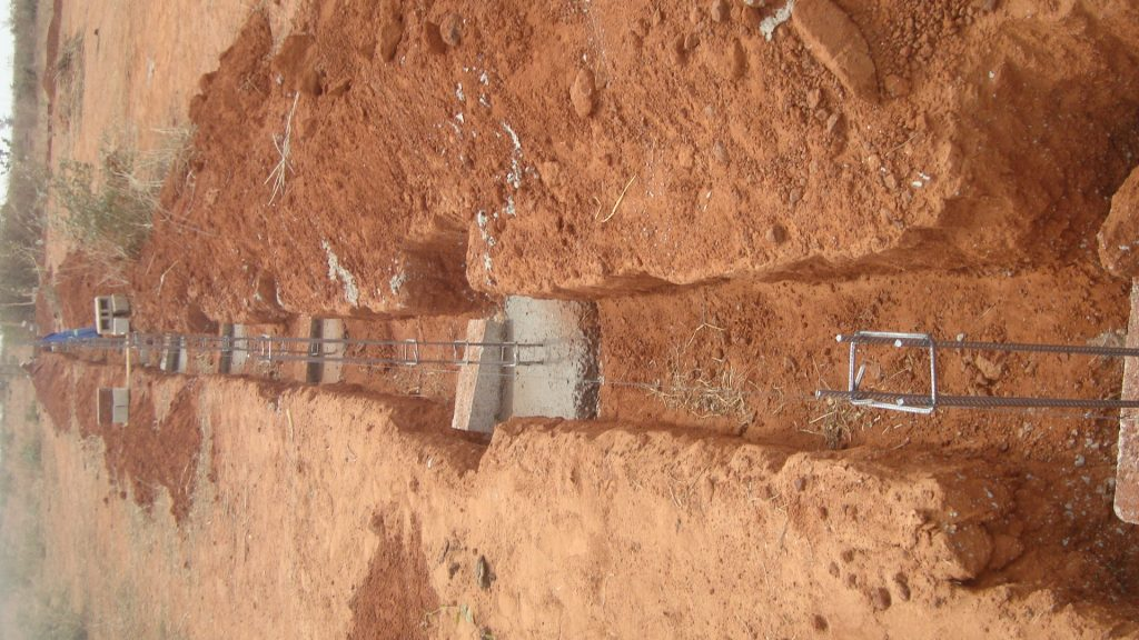 Mur de cloture route de Mbour x Sindia