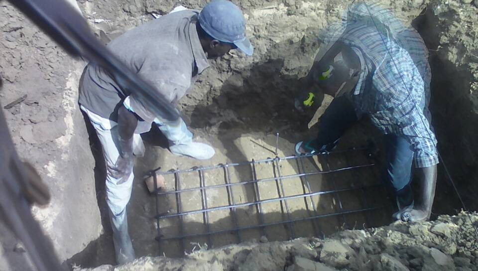 Chantier Zac Mbao Implatation de poteaux