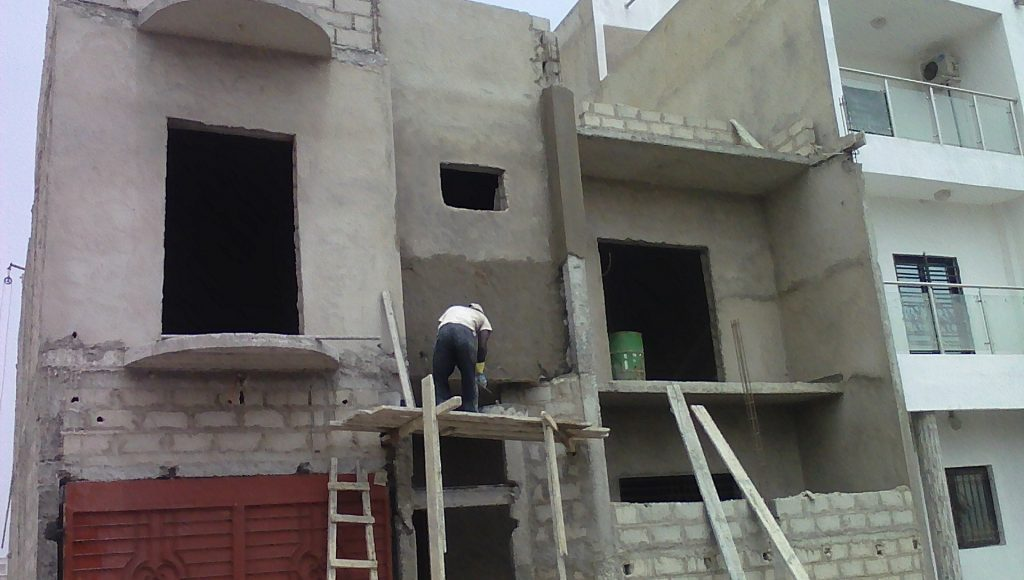 Finition construction villa R+1 a Mbao